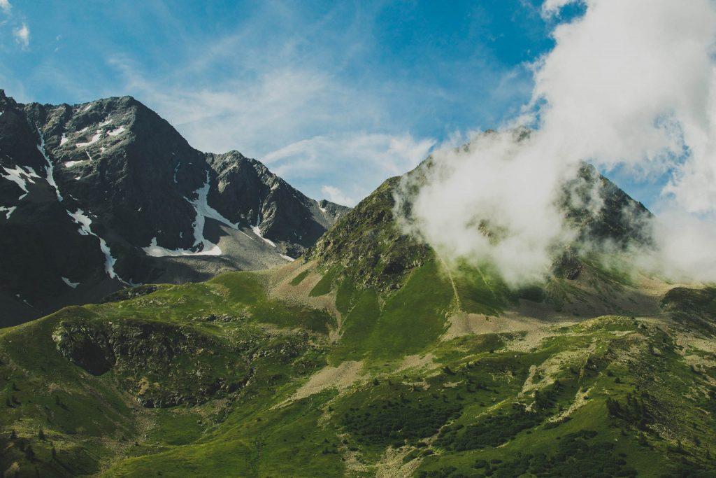 Une vallée montagneuse en France