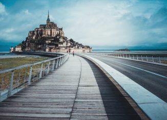 Route pour le Mont Saint Michel